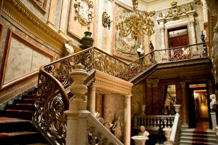 Escaleras de honor