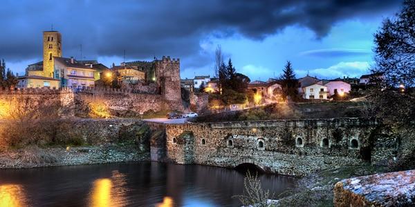 Old Bridge and wall, Buitrago de Lozoya. Madrid Province. Spain