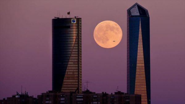 Llega la Luna rosa, la más y brillante del año