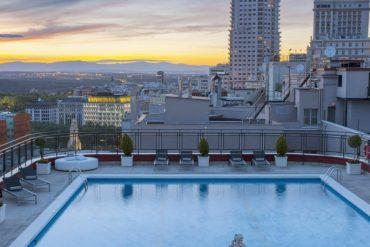 Las diez piscinas de ensueño en el cielo de Madrid para el verano 2017