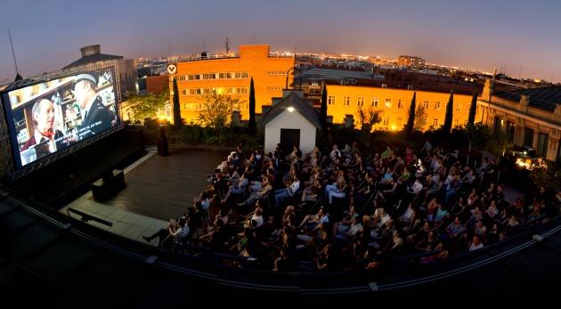 La Casa Encendida Abre Su Terraza Con Una Oferta De Cine