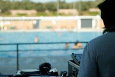 Planes para el finde: música electrónica de Dj's con piscina y fiesta hawaiana