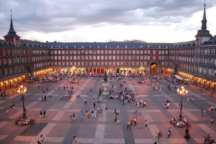 foto aérea de plaza mayor madrid