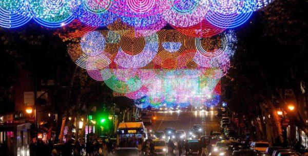 #LucesNo pide donar el dinero de las luces navideñas a los necesitados