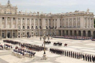Disfruta gratis del Relevo Solemne de la Guardia en el Palacio Real