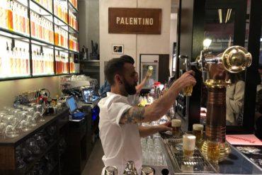 El mítico bar El Palentino reabre en el barrio de Malasaña