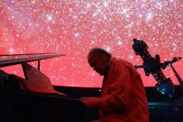 Show gratis de música y poesía bajo los estrellas del Planetario de Madrid