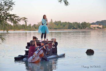 Show acuático de música y danza en el Embalse de San Juan