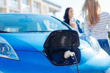 La CAM lanza el plan Moves para ayuda a la compra de coches eléctricos