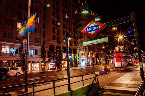 Los futuristas tornos de Metro de Gran Vía llegan a 11 estaciones de Metro