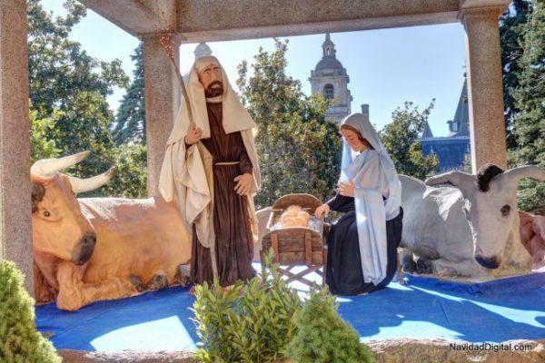 Los 4 pueblos de Madrid mejor decorados para una escapada navideña