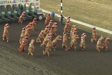 Family Day Navidad trae carreras de caballos y de dinosaurios