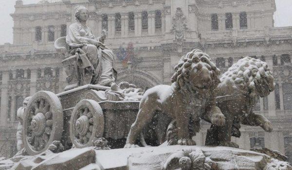 Madrid se prepara para recibir la nevada del Siglo XXI
