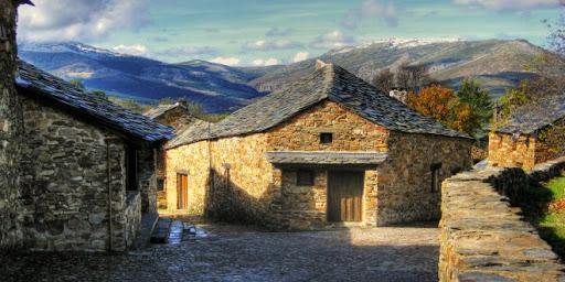 Quince pueblos abandonados más bonitos de España para una escapada