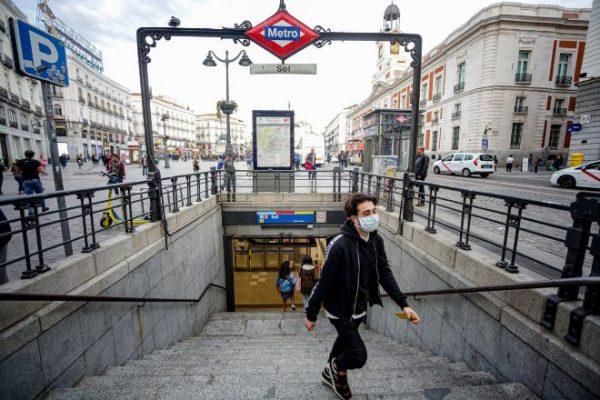 Se recomienda el uso de mascarillas en el transporte público
