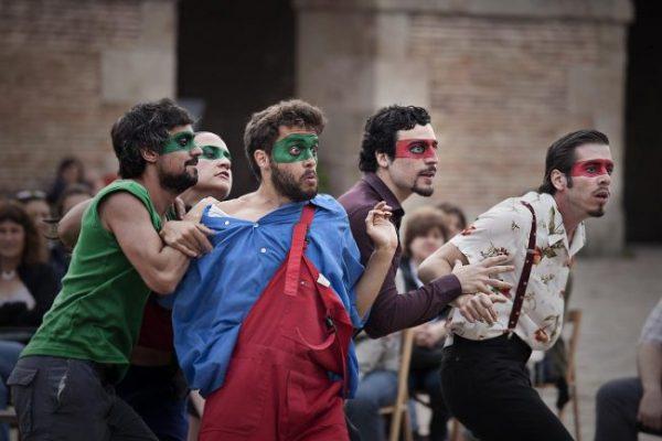Tres obras de teatro para ver gratis desde la butaca de tu casa
