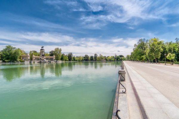 Las barcas volverán a pasearse por el estanque de El Retiro