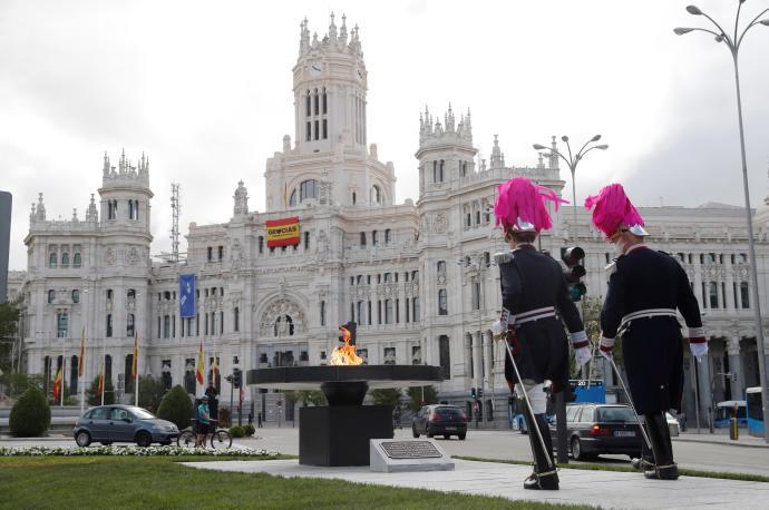 Show de drones y luces led en Madrid Río como homenaje a las víctimas