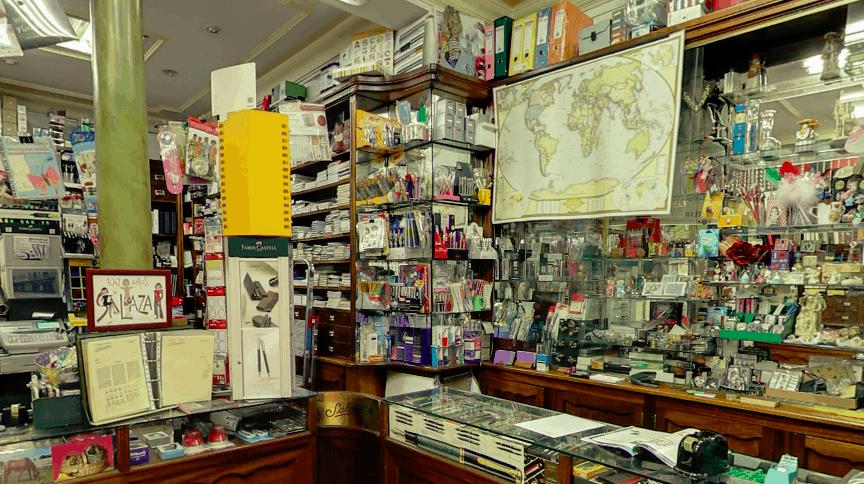 Salazar, la papelería más antigua de Madrid, echa el cierre