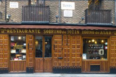 Más de 200 restaurantes madrileños a mitad de precio
