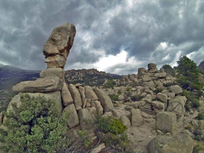 Senda 'las formas de La Pedriza' en la Sierra de Guadarrama