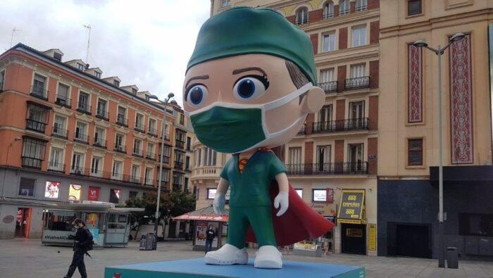 Llega a Madrid una supersanitaria dedicada a los héroes de la pandemia
