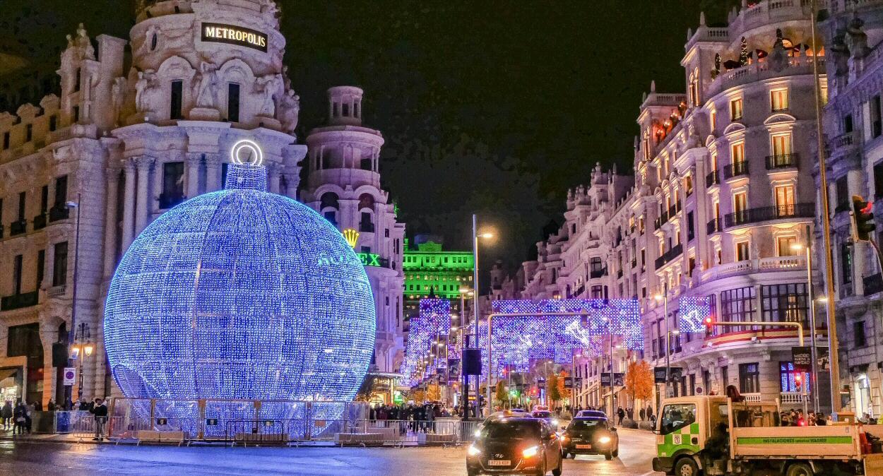 La bola gigante luminosa regresa a Madrid estas Navidades
