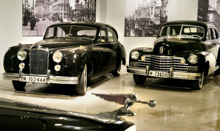 Museo secreto de coches clásicos y brunch con vistas al Palacio Real