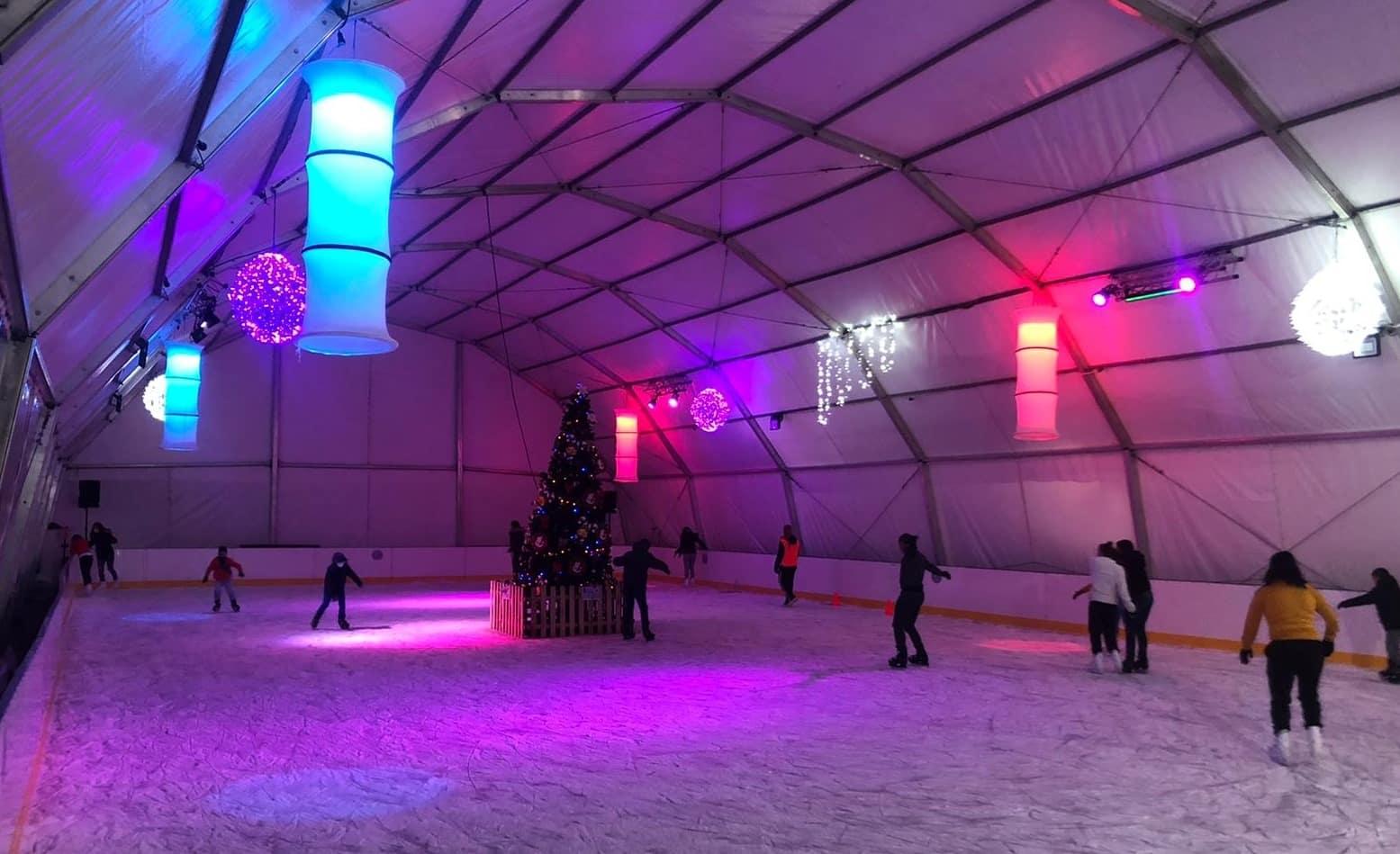Tobogán de nieve y pista de hielo gigante en Madrid por Navidad