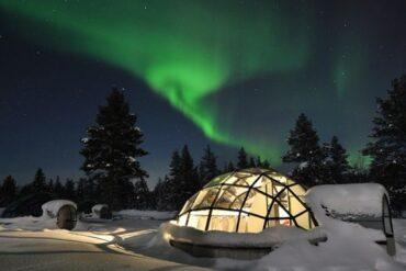 Experiencia única en un iglú de cristal rodeado de auroras boreales
