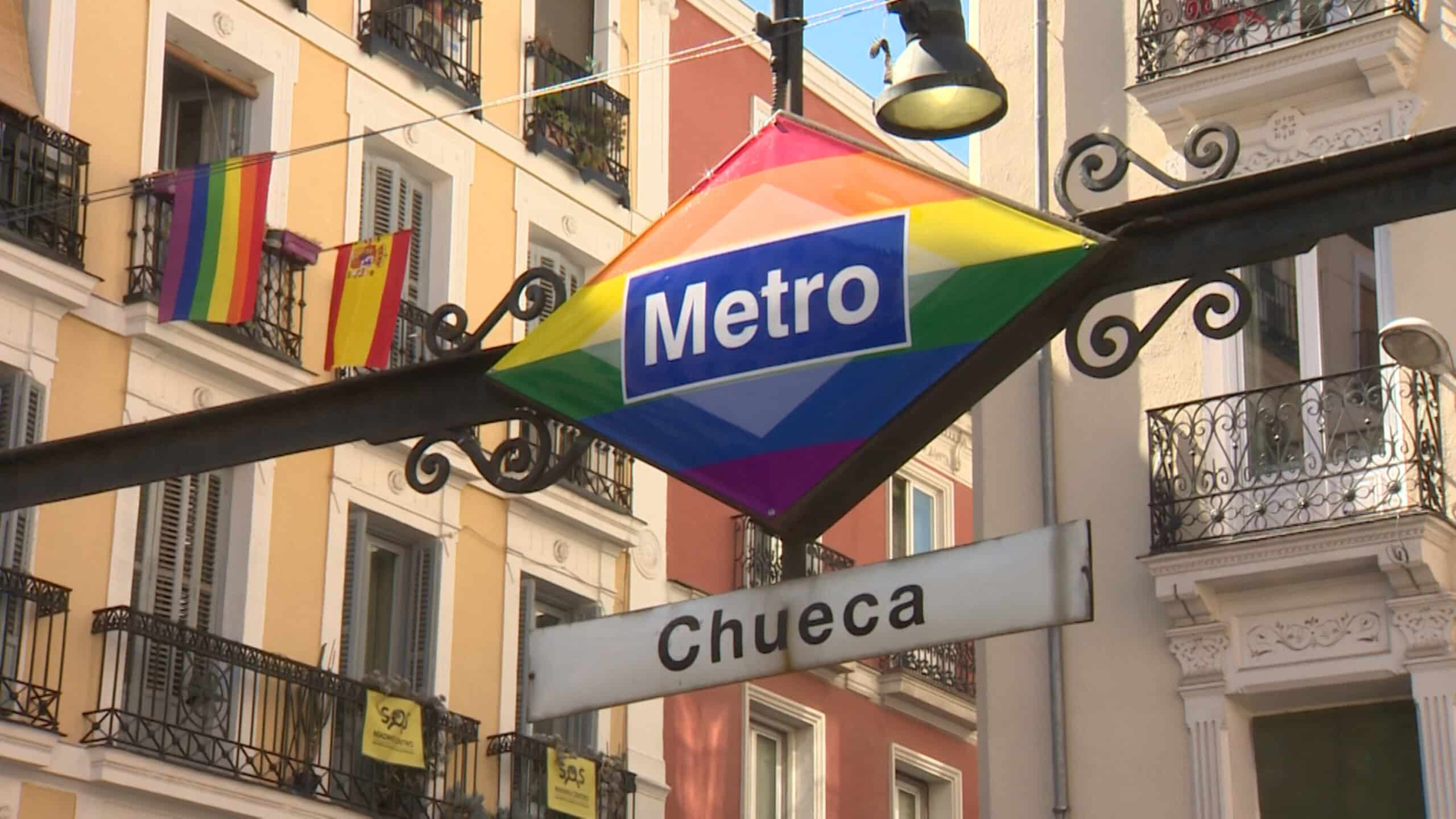 La bandera de España es el nuevo logotipo del metro de Plaza España