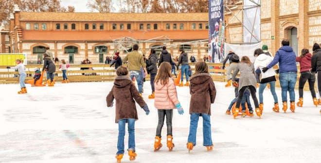 Matadero acoge la pista de hielo de Madrid más grande de la Navidad