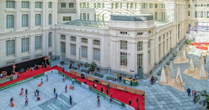 Abre Cibeles sobre hielo, la pista de hielo ubicada en el Palacio de Cibeles