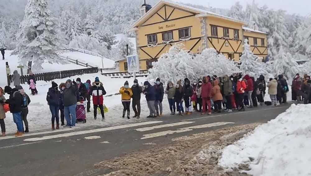 350 personas evacuadas y colapso en Navacerrada este fin de semana
