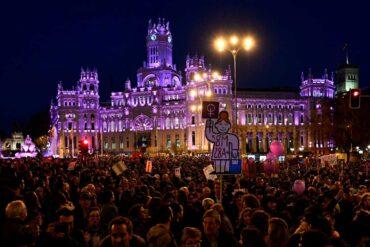 Se prohiben en Madrid todas las manifestaciones del 8M por salud pública