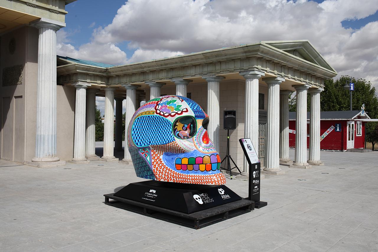 Disdruta gratis de la exposición Mexicráneos por el Día de los Muertos
