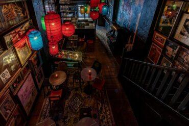 El bar 'Rockade' de la Latina te transporta al Madrid de los años 80